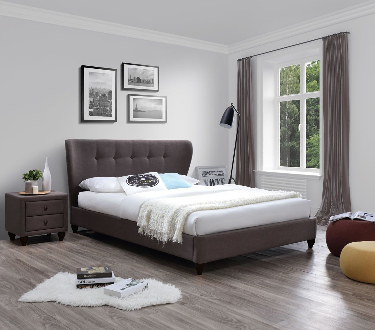 lits doubles lit double en tissu brun 160 cm avec sommier et t te de lit incurv e pomona trocity. Black Bedroom Furniture Sets. Home Design Ideas